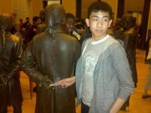 fun-with-statues (8)