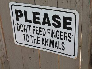 funny-zoo-signs (3)