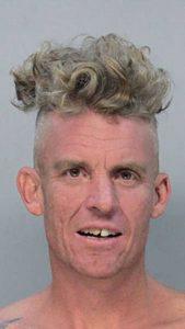 awful-criminal-hairdos (25)