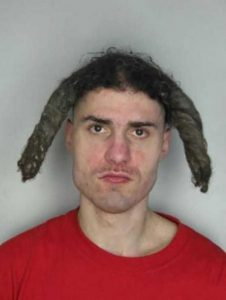 awful-criminal-hairdos (9)