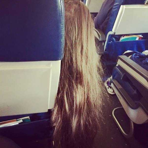 awful-things-people-do-on-planes (23)