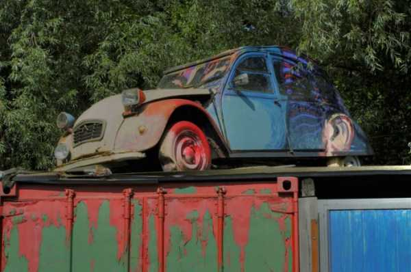 cars-in-bizarre-places (12)