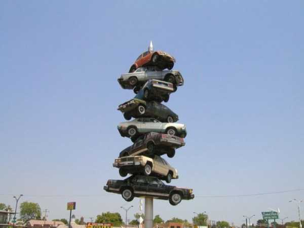 cars-in-bizarre-places (14)