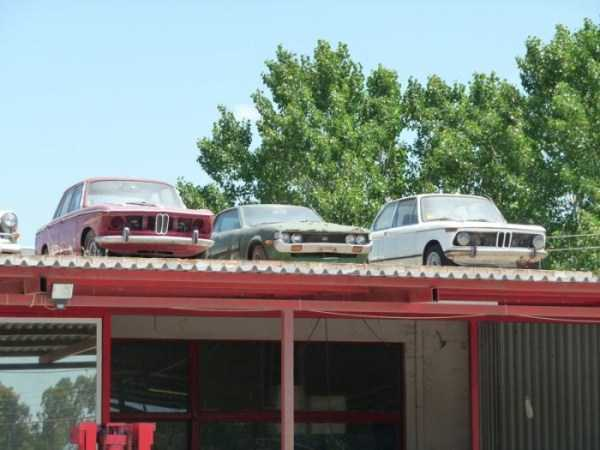 cars-in-bizarre-places (26)