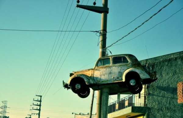 cars-in-bizarre-places (28)