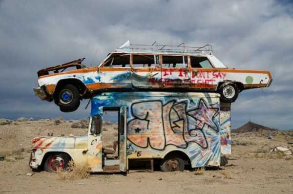 cars-in-bizarre-places (6)