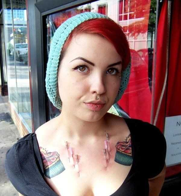 freaks-pierced-with-needles (3)