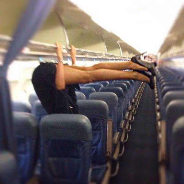 hot-sexy-stewardesses (17)