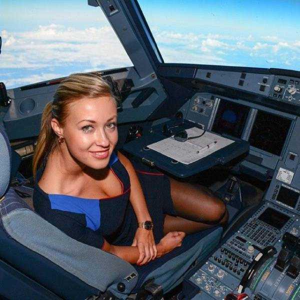 hot-sexy-stewardesses (18)