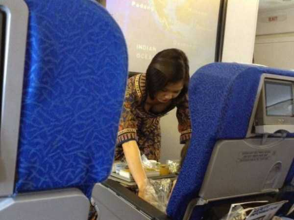 hot-sexy-stewardesses (30)