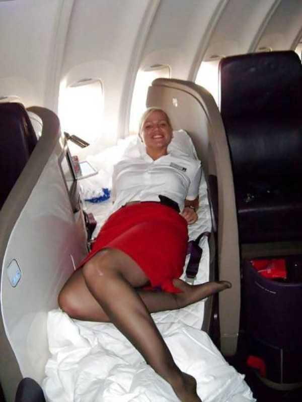 hot-sexy-stewardesses (31)