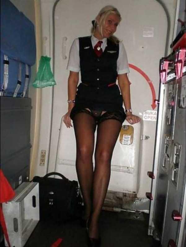 hot-sexy-stewardesses (33)