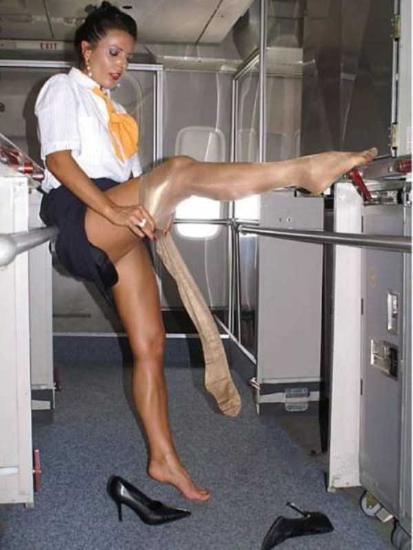 hot-sexy-stewardesses (46)
