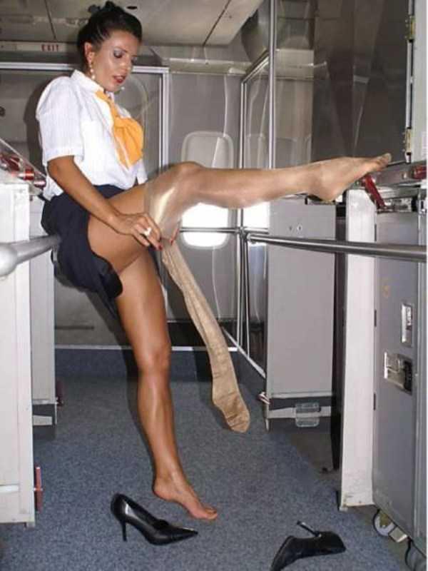 hot-sexy-stewardesses (46)