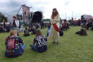 funny-music-festival-pics (21)