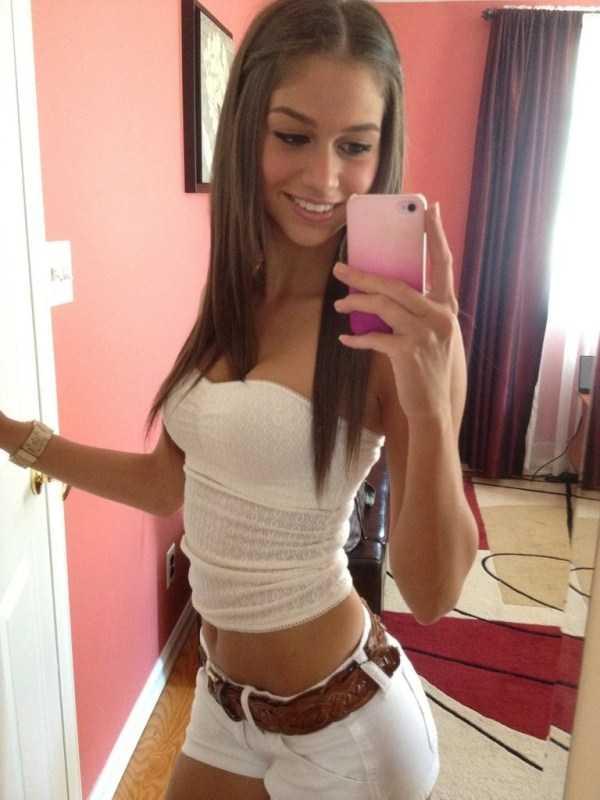 sexy-girls-tiny-shorts (6)