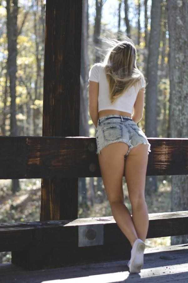 sexy-girls-tiny-shorts (9)