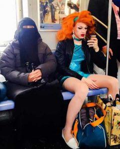 strange-subway-people (37)