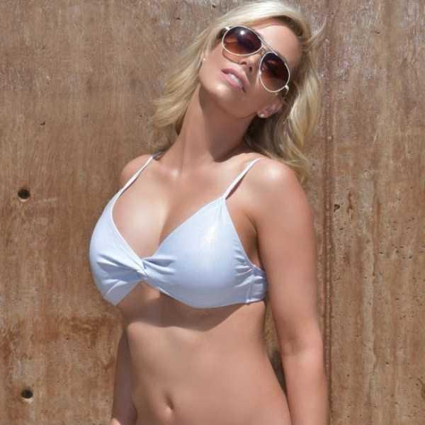Elle-Johnson-hot-pics (16)