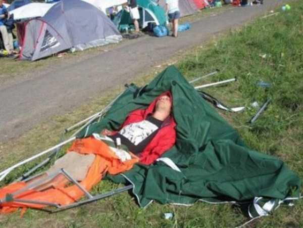 funny-camping-fails (11)