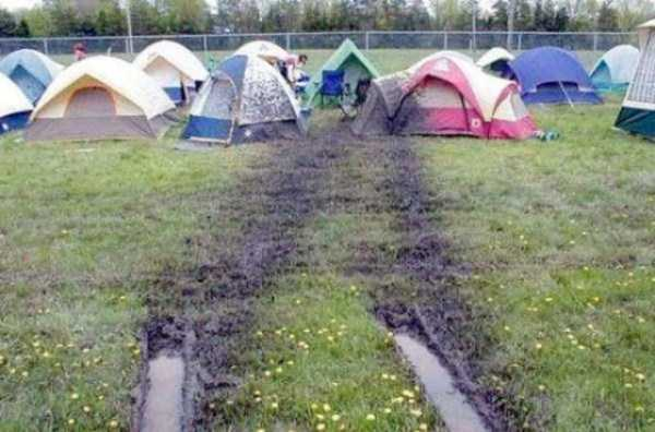 funny-camping-fails (39)