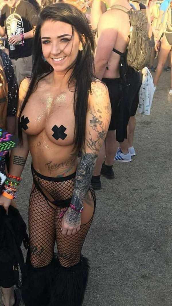 hot-women-pics (29)