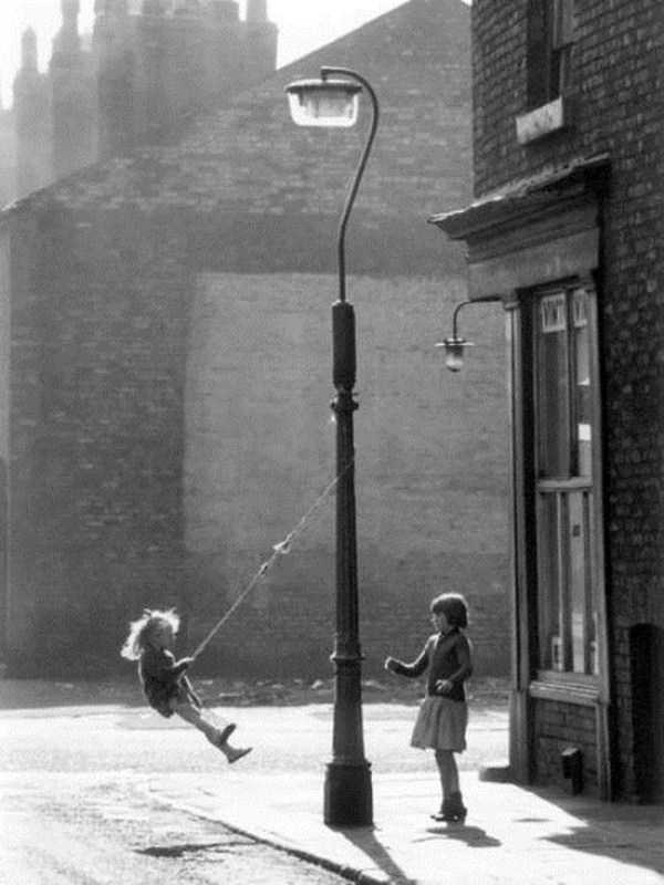 kids-playing-retro-photos (16)