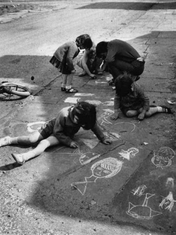 kids-playing-retro-photos (19)