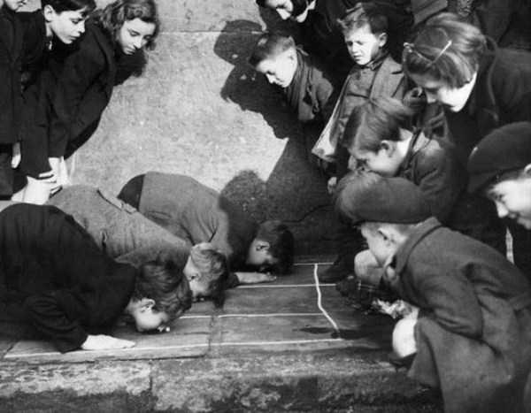 kids-playing-retro-photos (20)