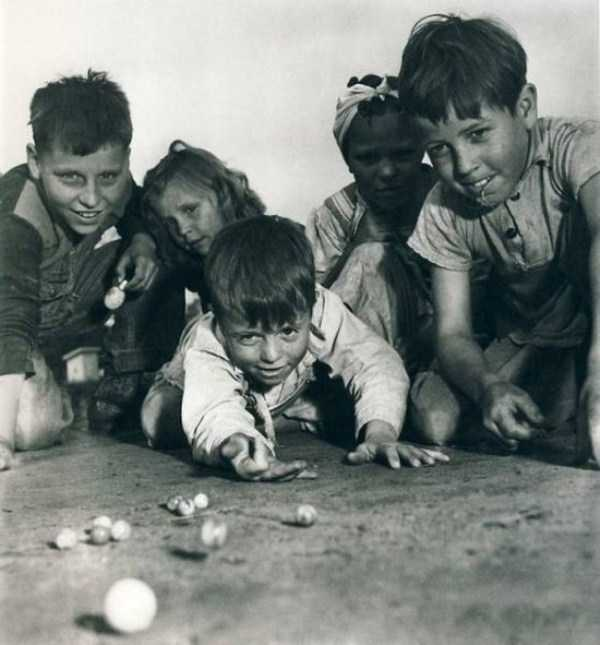 kids-playing-retro-photos (22)