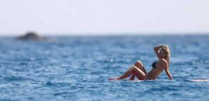 pamela-anderson-bikini-photos (5)