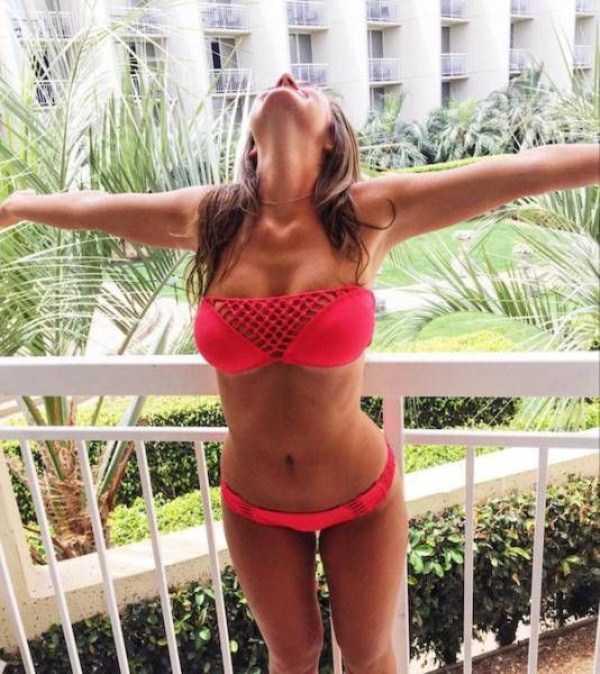 sexy-girls-with-slim-waists (19)