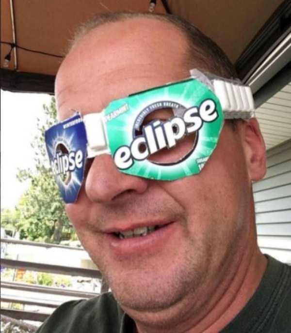 solar-eclipse-memes (1)