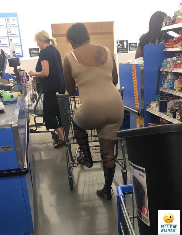 weird-people-of-walmart (18)