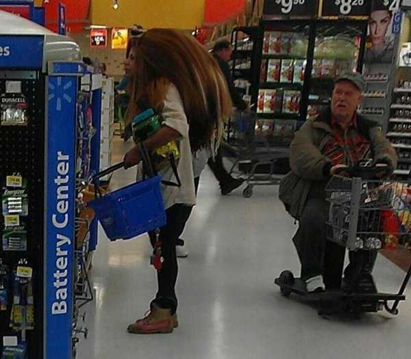 weird-people-of-walmart (29)