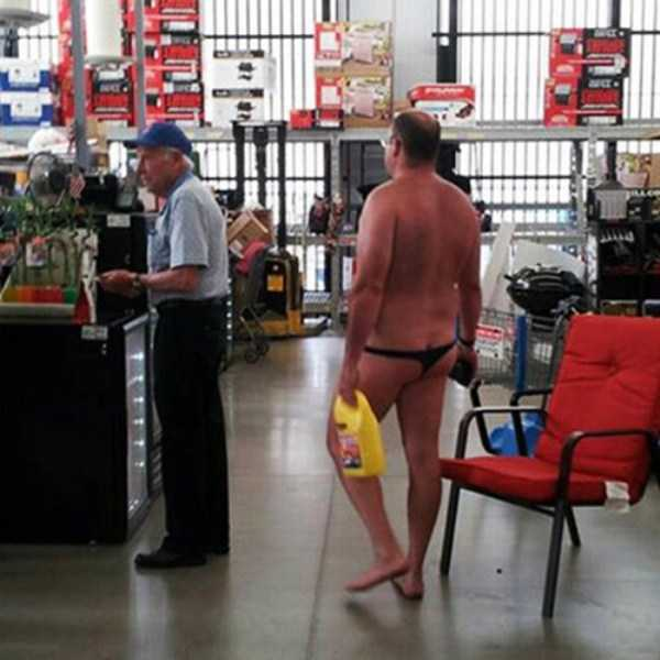 weird-people-of-walmart (30)