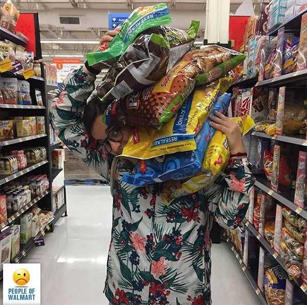 weird-people-of-walmart (4)