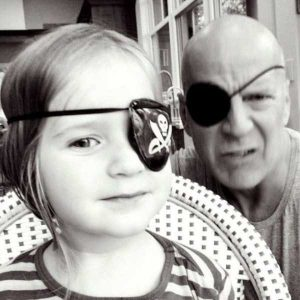 bruce-willis-as-father (6)