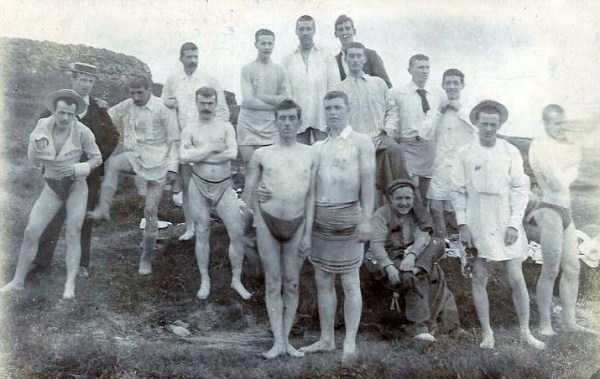 early-20th-century-men-swimwear (1)