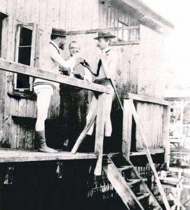 early-20th-century-men-swimwear (11)