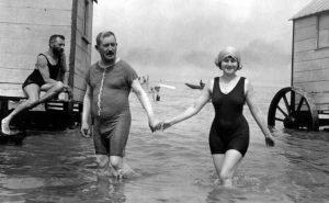 early-20th-century-men-swimwear (13)