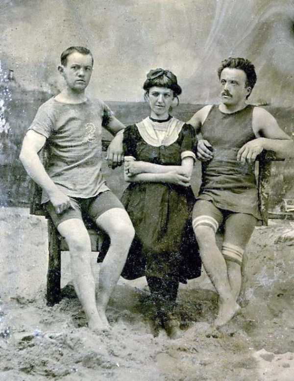 early-20th-century-men-swimwear (3)