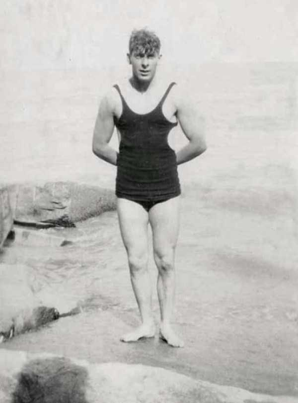 early-20th-century-men-swimwear (4)