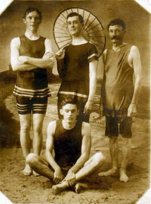 early-20th-century-men-swimwear (6)