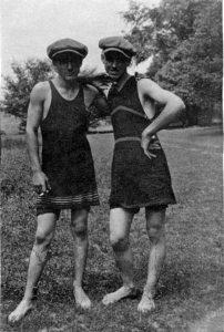 early-20th-century-men-swimwear (7)