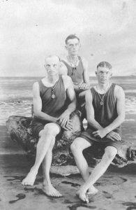 early-20th-century-men-swimwear (8)