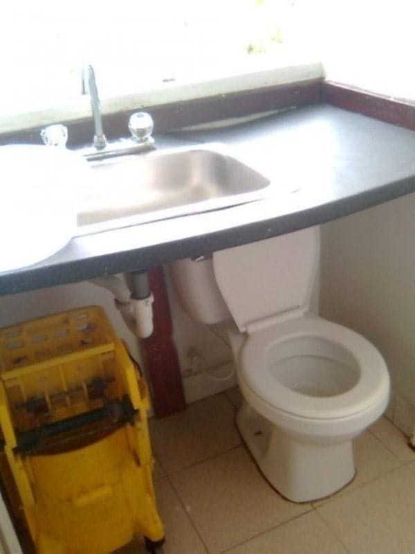 funny-plumbing-fails (1)