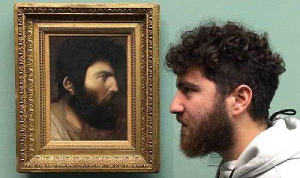 museum-doppelgängers-(28)