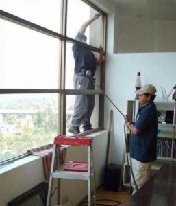 people-doing-unsafe-things (10)