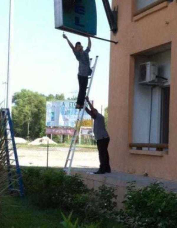 people-doing-unsafe-things (24)